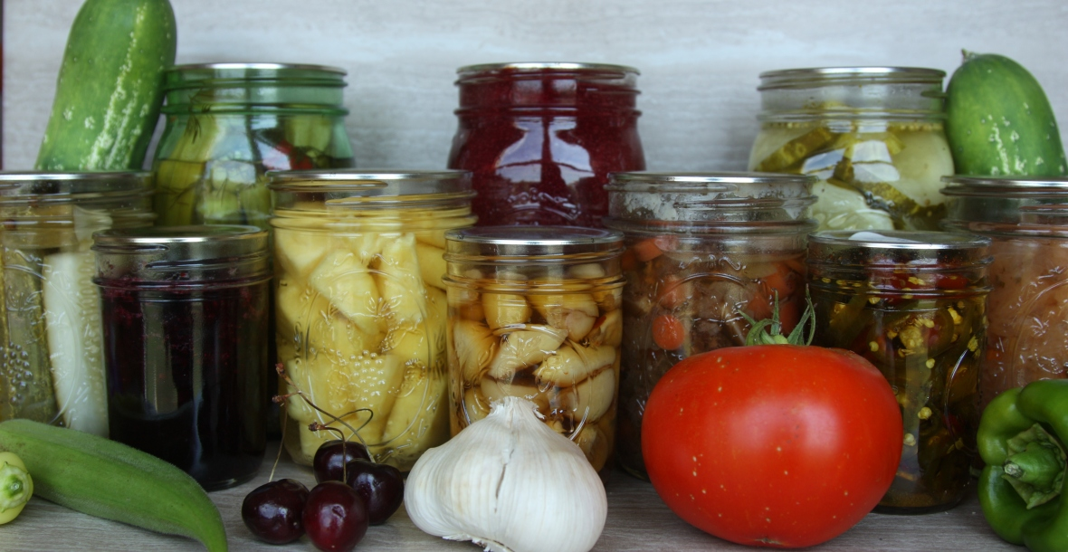 Caitlin's Canning Kitchen
